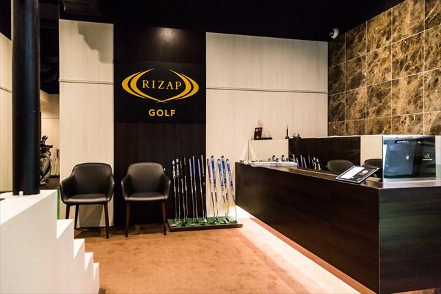 ライザップ ゴルフ六本木店の高級感のあるフロント