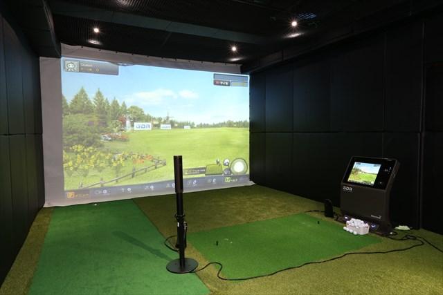 福岡にあるライザップ ゴルフ天神店のブースの一例