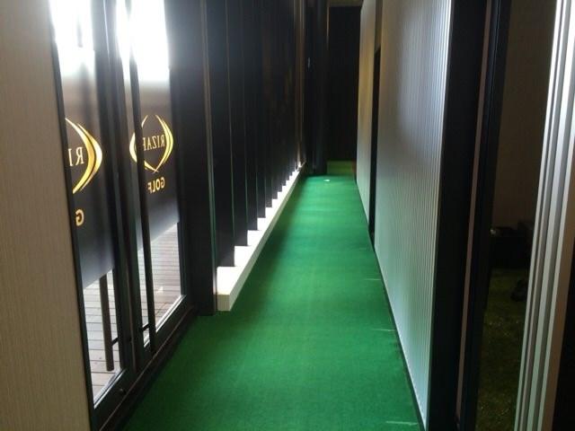 ロングパットの練習ができる廊下