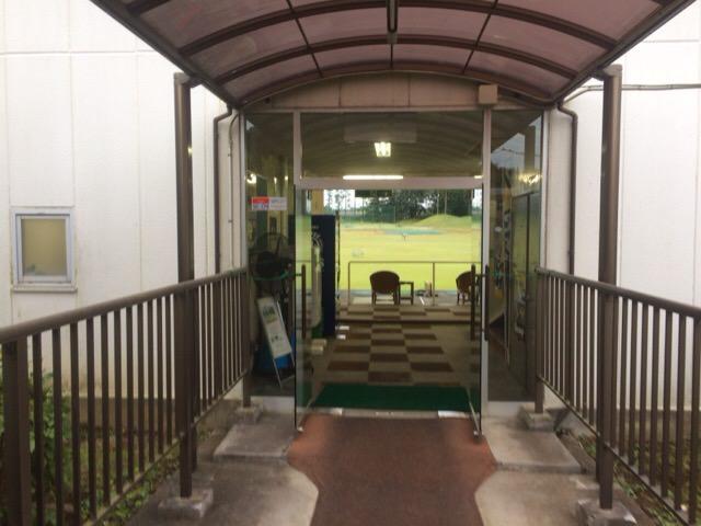 練習場の入り口付近