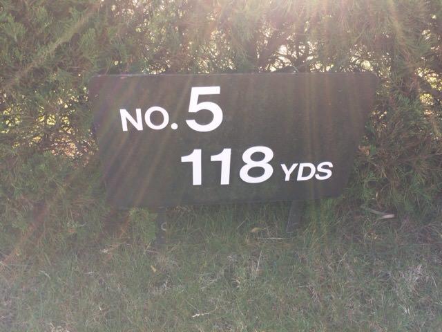 5番ホールは118ヤード