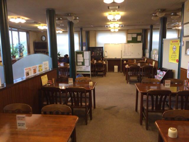 クラブハウス内のレストラン